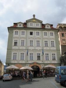 Terceira fachada, agora numa rua muito movimentada